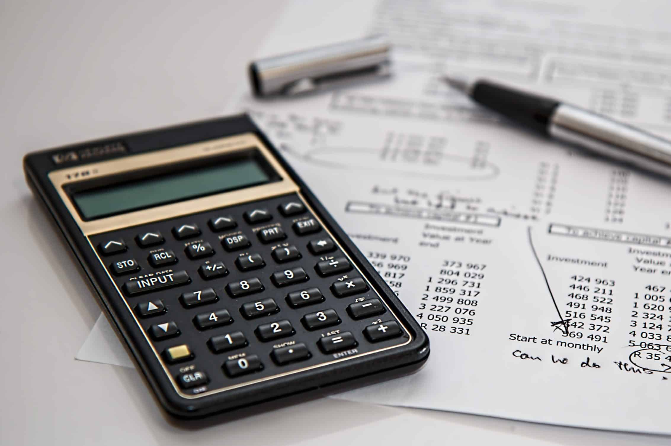 Calculation of financail ratios and accounting.