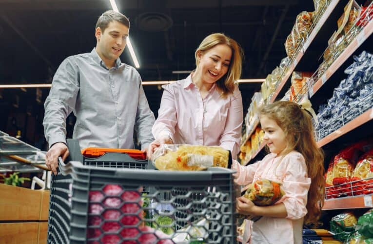 How to Save Money on Groceries – Our Top 10